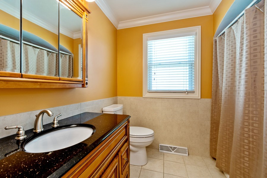 Real Estate Photography - 4200 W 117th St, Alsip, IL, 60803 - Bathroom