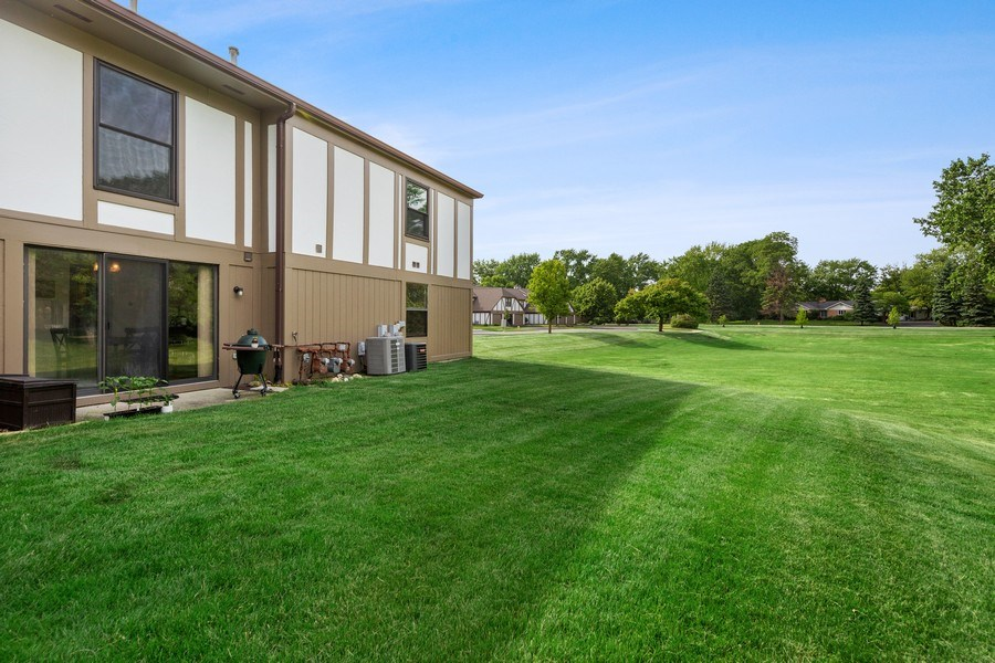Real Estate Photography - 7341 Canterbury Pl 19-3, Downers Grove, IL, 60516 - Rear View