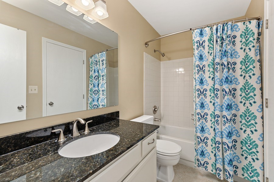 Real Estate Photography - 7341 Canterbury Pl 19-3, Downers Grove, IL, 60516 - Bathroom