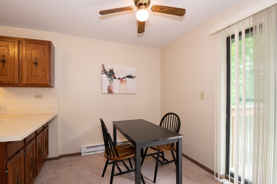 Real Estate Photography - 4440 Arbor Circle #4, Downers Grove, IL, 60515 - Dining Area