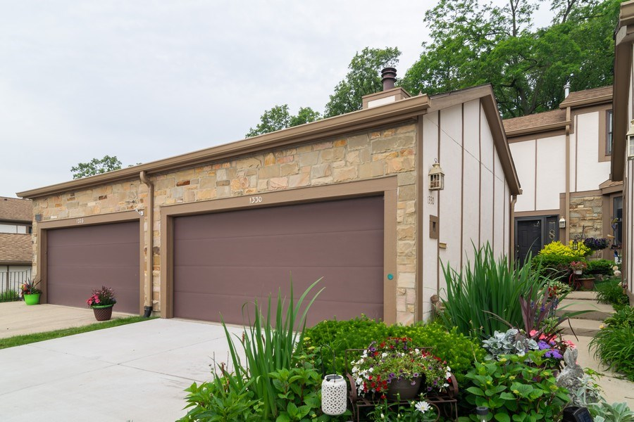 Real Estate Photography - 1330 Shagbark Ln, Wheaton, IL, 60187 - Front View