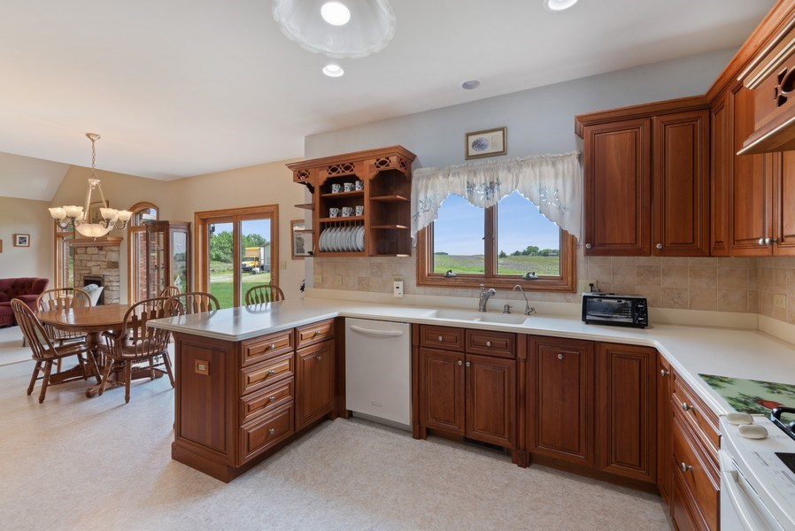 Real Estate Photography - 2029 W. Church Road, Beecher, IL, 60401 - Kitchen