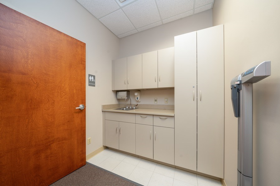 Real Estate Photography - 2424 W Indian Trail, Suite B, Aurora, IL, 60506 - Location 3