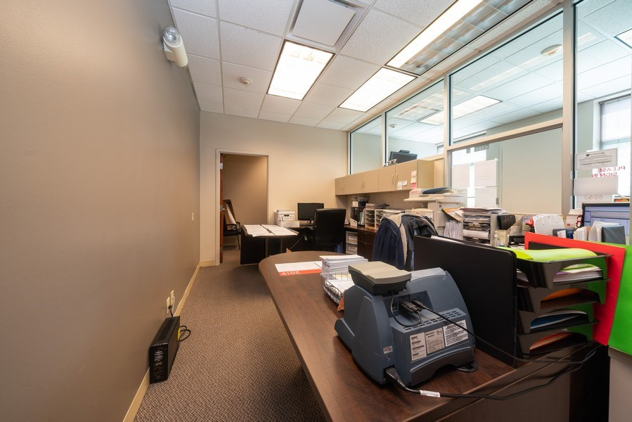 Real Estate Photography - 2424 W Indian Trail, Suite B, Aurora, IL, 60506 - Location 4
