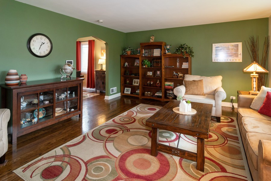 Real Estate Photography - 1808 Maple Avenue, Berwyn, IL, 60402 - Living Room