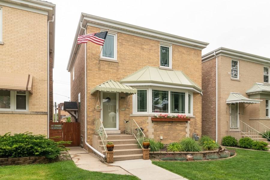 Real Estate Photography - 1808 Maple Avenue, Berwyn, IL, 60402 - Front View