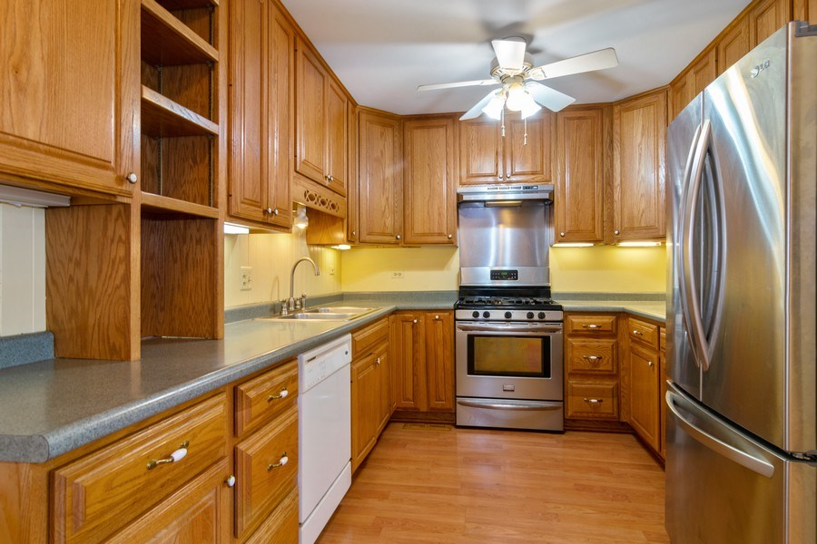 Real Estate Photography - 1375 Michael Ct, Hoffman Estates, IL, 60192 - Kitchen