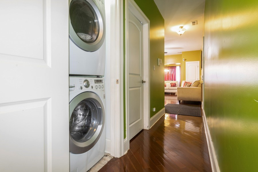 Real Estate Photography - 4819 S Prairie, 1S, Chicago,, IL, 60615 - Laundry Room