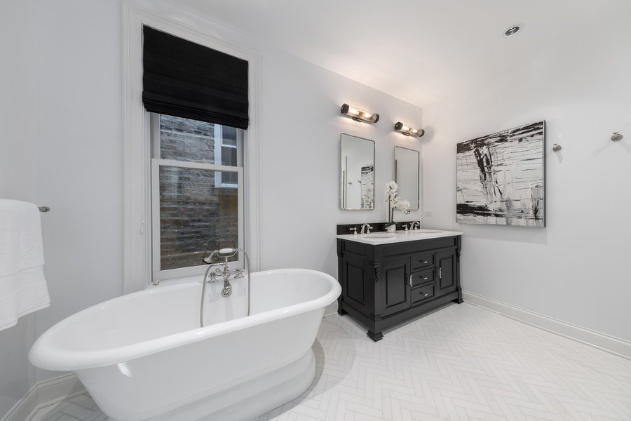 Real Estate Photography - 1708 N Sedgwick, Chicago, IL, 60614 - Master Bathroom