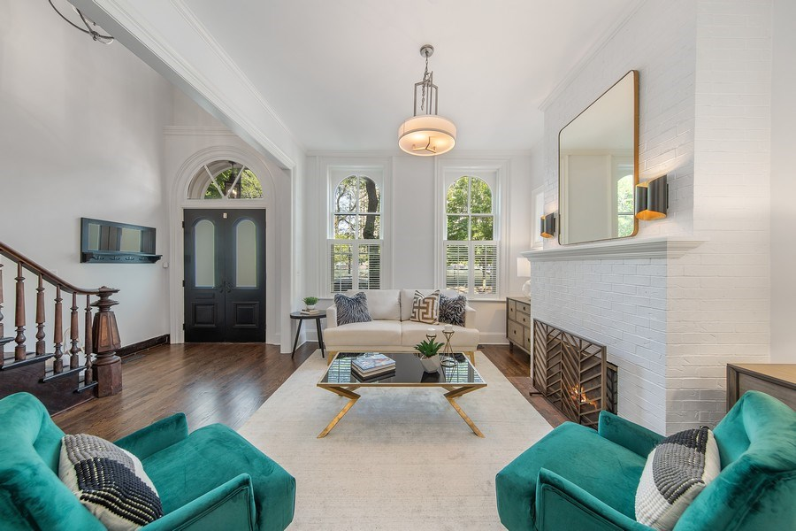 Real Estate Photography - 1708 N Sedgwick, Chicago, IL, 60614 - Living Room