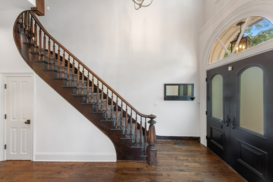 Real Estate Photography - 1708 N Sedgwick, Chicago, IL, 60614 - Foyer