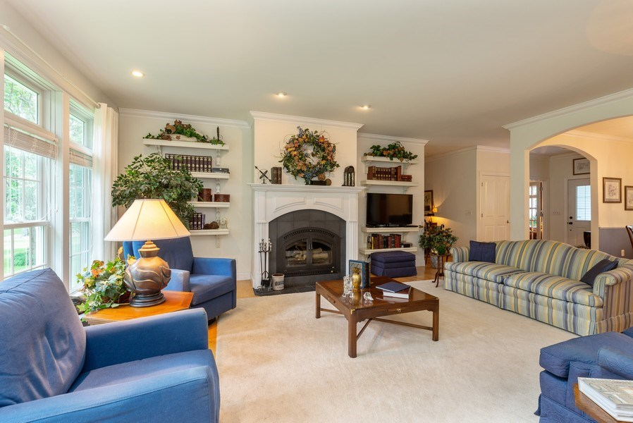 Real Estate Photography - 1953 Ole Hickory Road, Amboy, IL, 61310 - Living Room