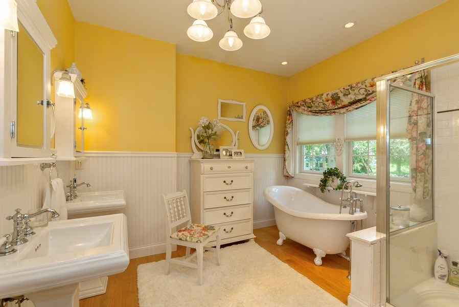 Real Estate Photography - 1953 Ole Hickory Road, Amboy, IL, 61310 - Master Bathroom