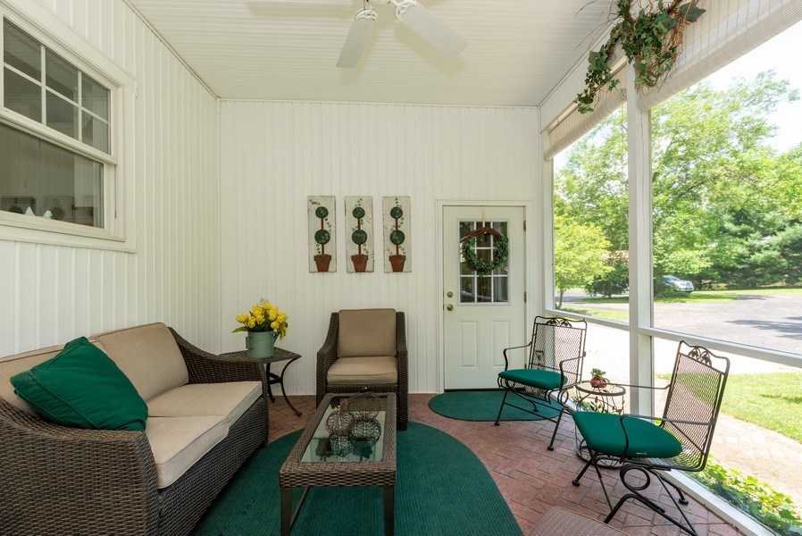 Real Estate Photography - 1953 Ole Hickory Road, Amboy, IL, 61310 - Screened in Porch