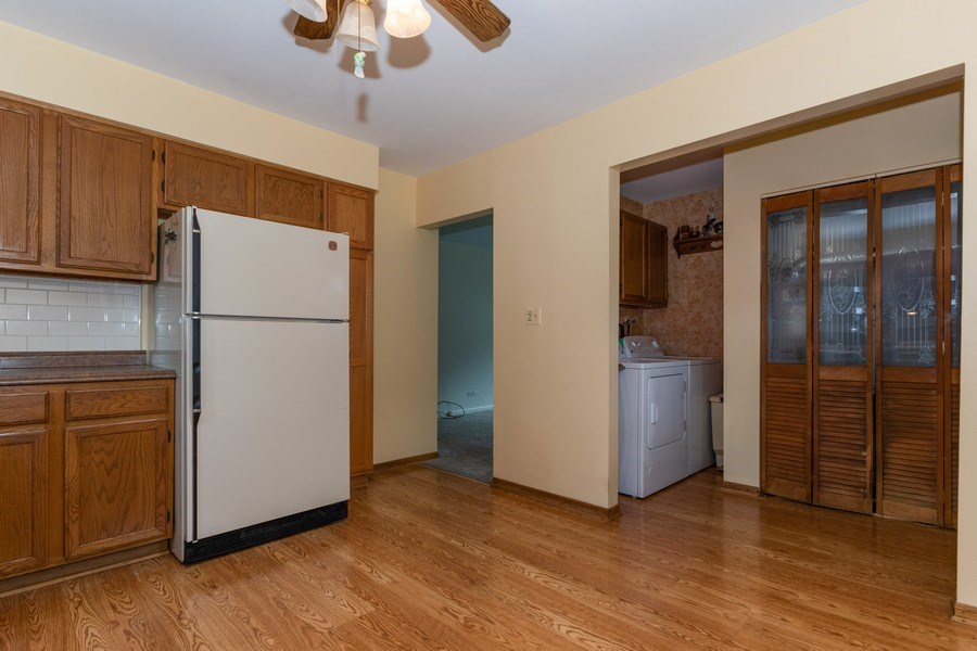 Real Estate Photography - 321 N. Spruce, Bensenville, IL, 60106 - Kitchen