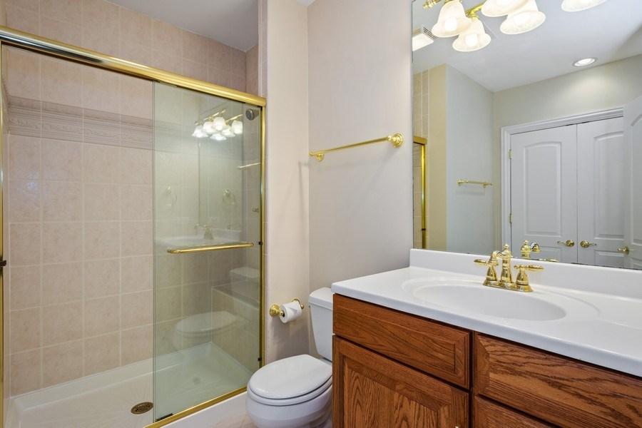Real Estate Photography - 104 Cherry Hill, N Barrington, IL, 60010 - 3rd Bathroom