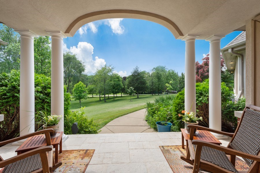 Real Estate Photography - 104 Cherry Hill, N Barrington, IL, 60010 - Front Yard