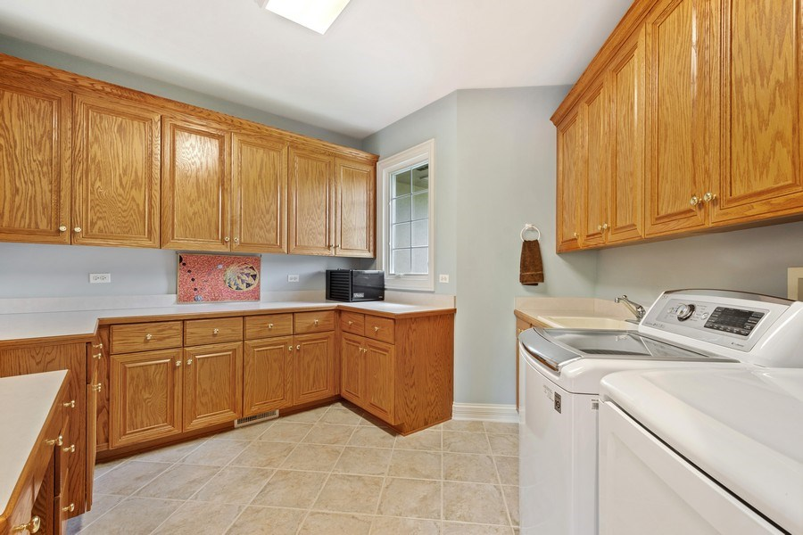 Real Estate Photography - 104 Cherry Hill, N Barrington, IL, 60010 - Laundry Room