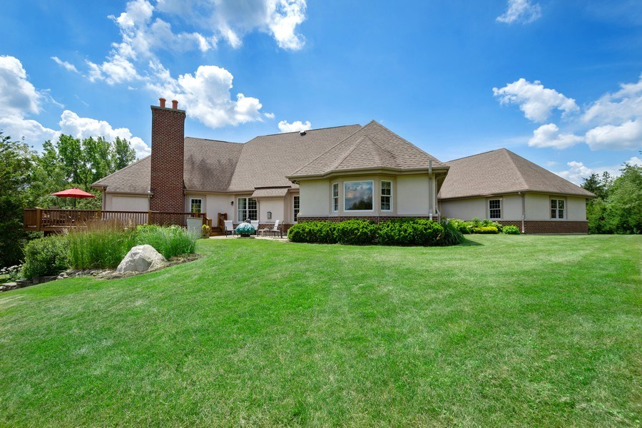 Real Estate Photography - 104 Cherry Hill, N Barrington, IL, 60010 - Rear View