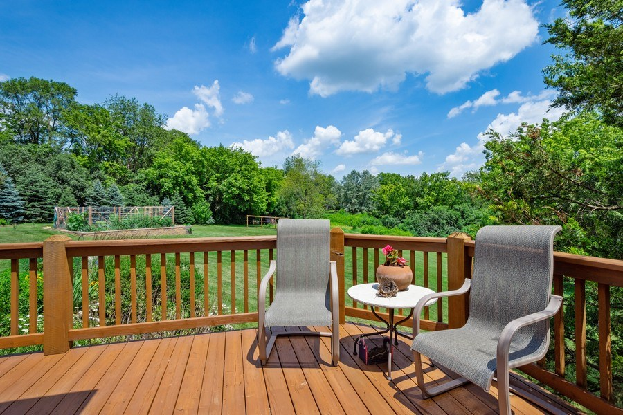 Real Estate Photography - 104 Cherry Hill, N Barrington, IL, 60010 - Deck