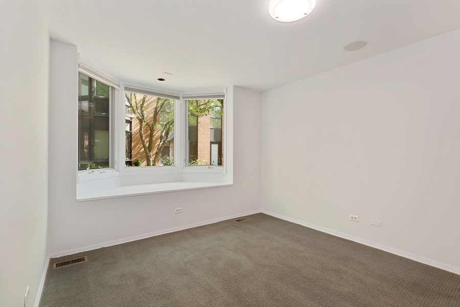 Real Estate Photography - 1445 N Cleveland Ave, Unit B, Chicago, IL, 60610 - Lower Level