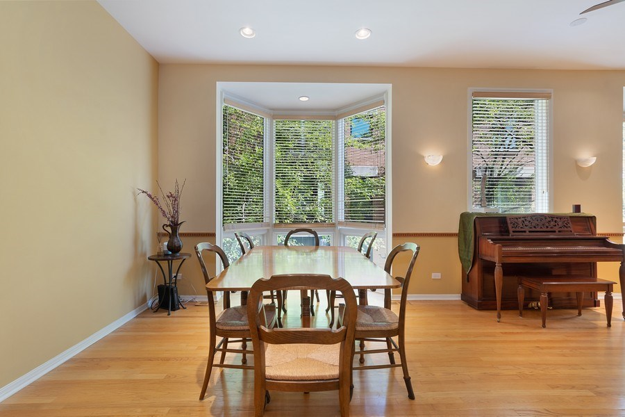 Real Estate Photography - 1445 N Cleveland Ave, Unit B, Chicago, IL, 60610 - Dining Room