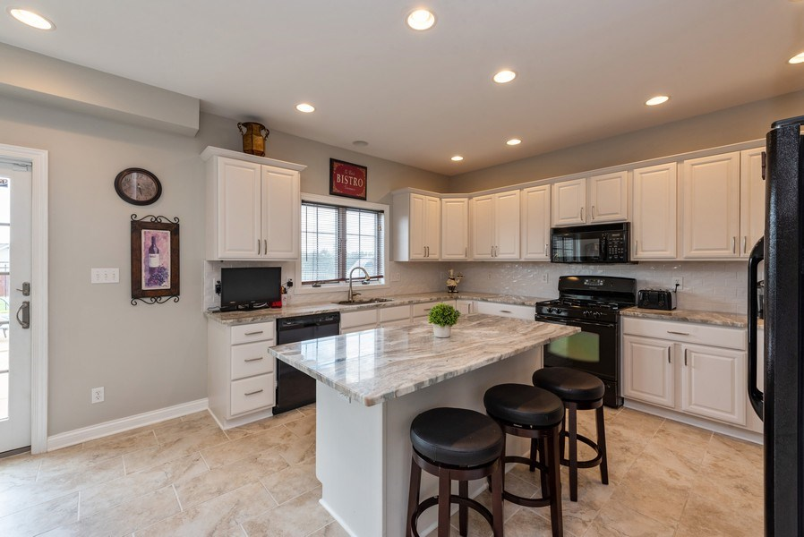 Real Estate Photography - 11068 Oregon Lane, crown point, IN, 46307 - Kitchen