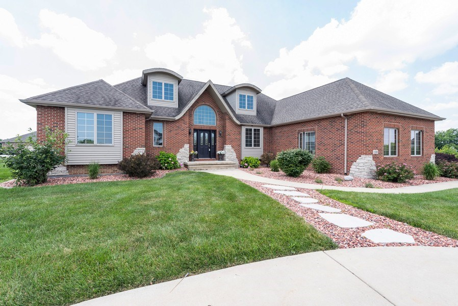 Real Estate Photography - 11068 Oregon Lane, crown point, IN, 46307 - Front View