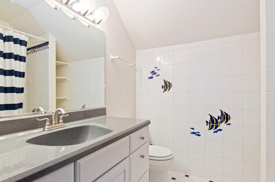 Real Estate Photography - 462 W Oakwood Dr, Barrington, IL, 60010 - 3rd Bathroom