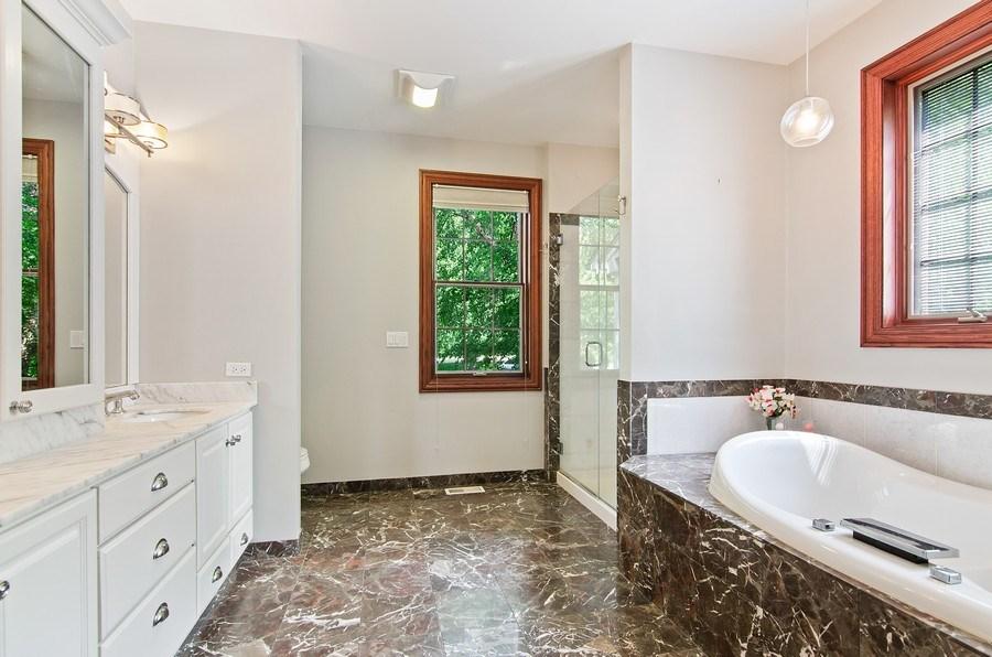 Real Estate Photography - 462 W Oakwood Dr, Barrington, IL, 60010 - Master Bathroom