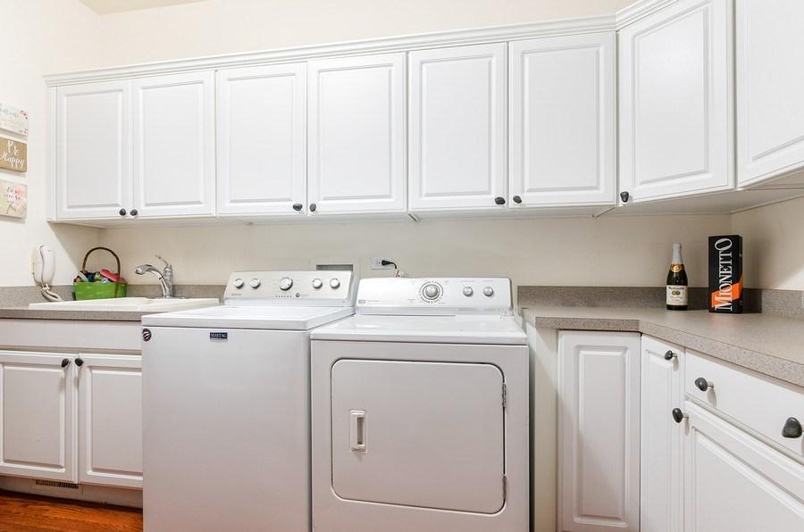 Real Estate Photography - 462 W Oakwood Dr, Barrington, IL, 60010 - Laundry Room