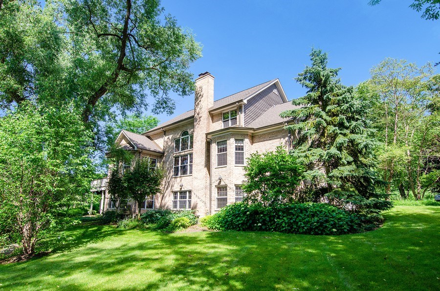 Real Estate Photography - 462 W Oakwood Dr, Barrington, IL, 60010 - Rear View