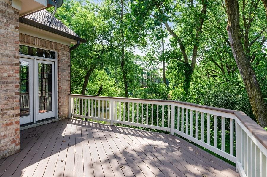 Real Estate Photography - 462 W Oakwood Dr, Barrington, IL, 60010 - Deck