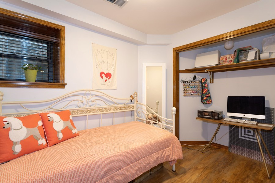 Real Estate Photography - 1048 W Buena Ave, Unit GB, Chicago, IL, 60613 - Bedroom