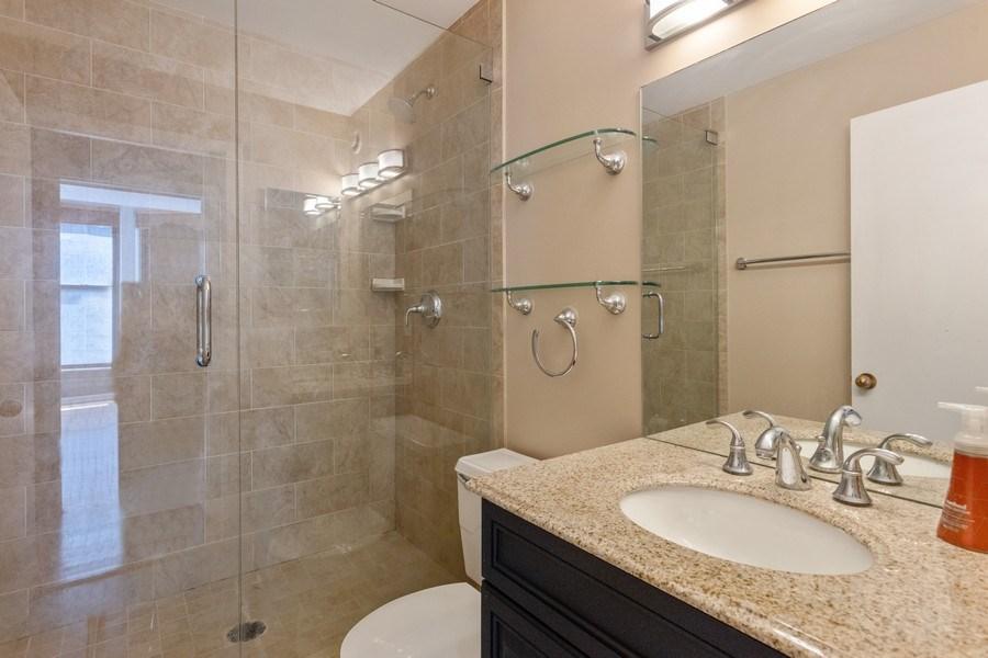 Real Estate Photography - 431 S Dearborn, Unit 609, Chicago, IL, 60605 - Bathroom