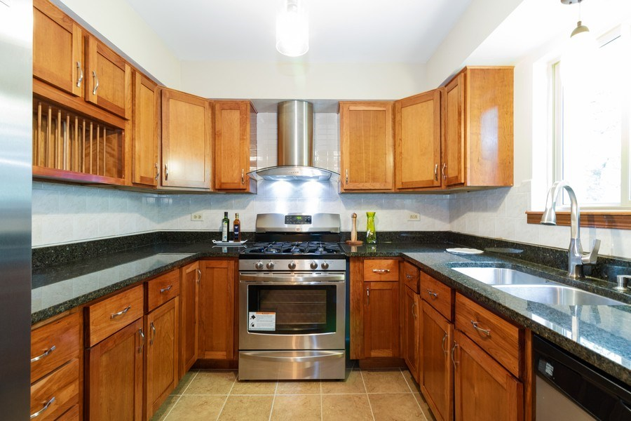 Real Estate Photography - 8530 Thomas Charles Lane, Hickory Hills, IL, 60457 - Kitchen