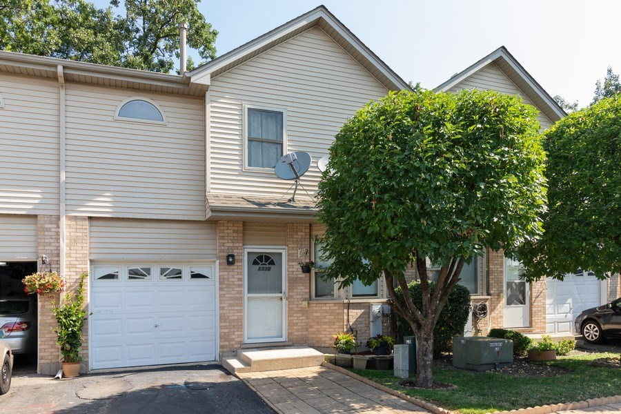 Real Estate Photography - 8530 Thomas Charles Lane, Hickory Hills, IL, 60457 - Front View