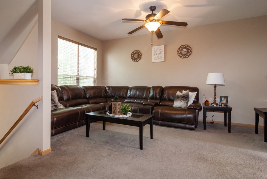 Real Estate Photography - 1361 Chestnut Ln, Yorkville, IL, 60101 - Living Room