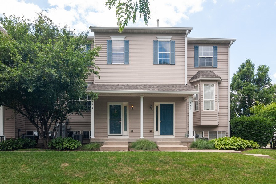 Real Estate Photography - 1361 Chestnut Ln, Yorkville, IL, 60101 - Front View