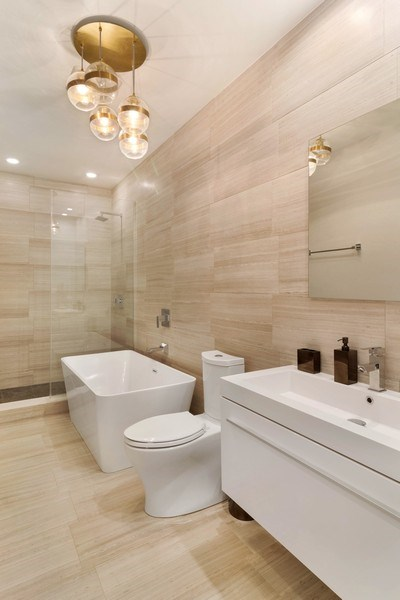 Real Estate Photography - 2027 W Belmont Ave #1, Chicago, IL, 60618 - 2nd Bathroom