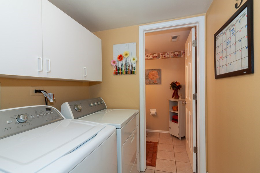 Real Estate Photography - 3632 Princeton Ave, Aurora, IL, 60504 - Laundry Room