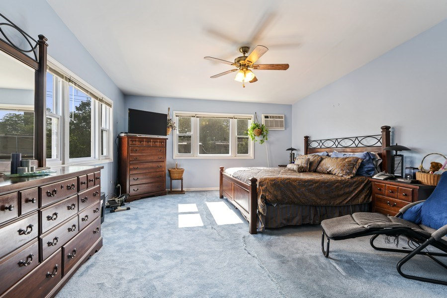 Real Estate Photography - 5344 S Drexel Ave, Chicago, IL, 60615 - Master Bedroom