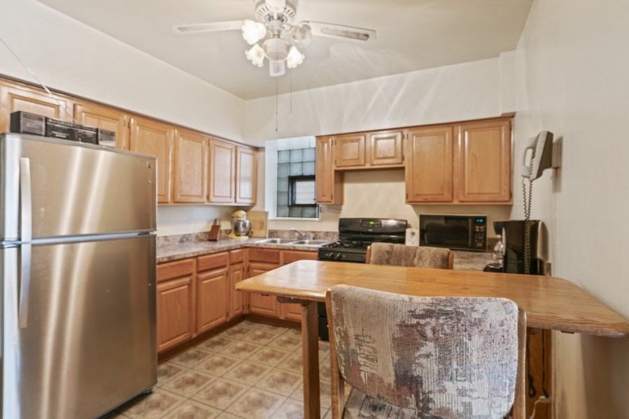 Real Estate Photography - 5344 S Drexel Ave, Chicago, IL, 60615 - Kitchen