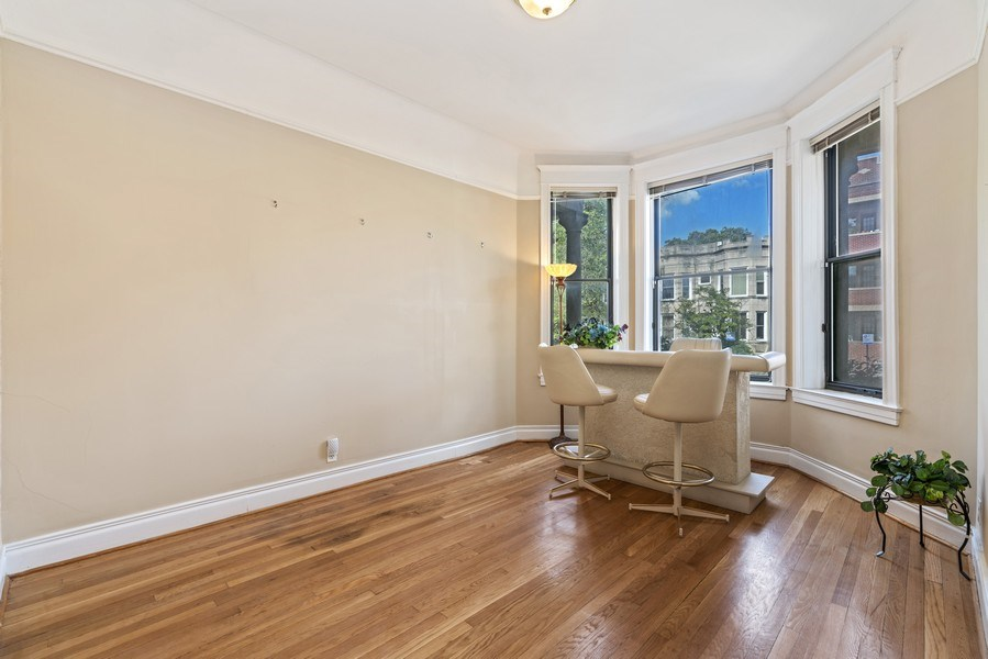 Real Estate Photography - 5344 S Drexel Ave, Chicago, IL, 60615 - Sitting Room
