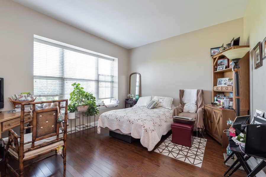 Real Estate Photography - 2700 Summit Dr, Unit 312, Glenview, IL, 60025 - 2nd Bedroom