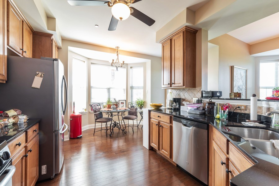 Real Estate Photography - 2700 Summit Dr, Unit 312, Glenview, IL, 60025 - Kitchen