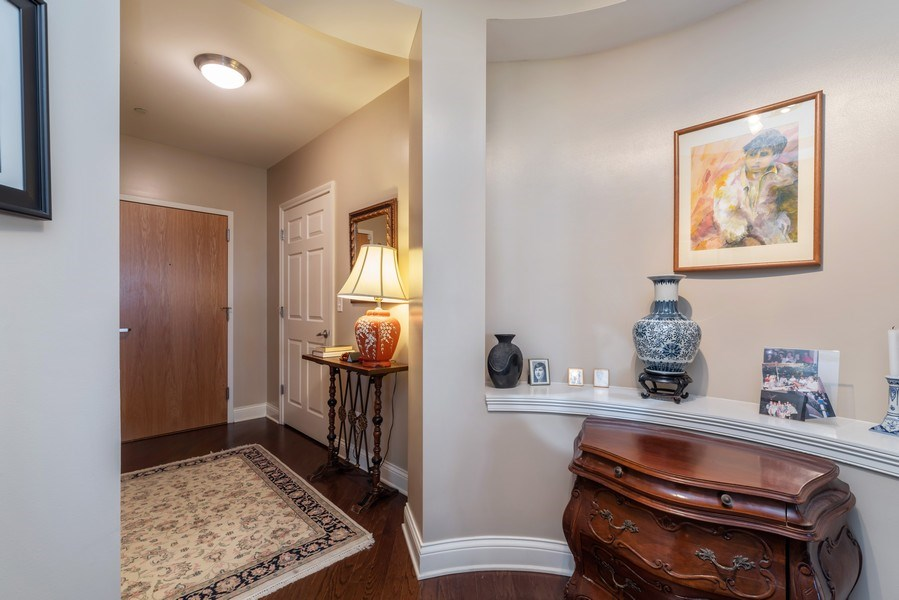 Real Estate Photography - 2700 Summit Dr, Unit 312, Glenview, IL, 60025 - Foyer