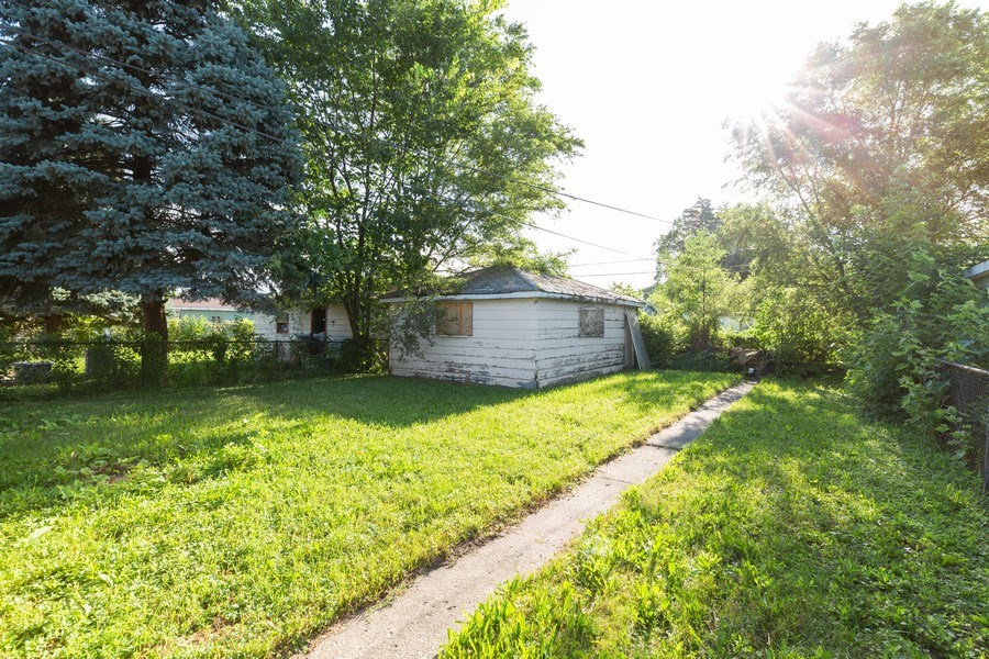 Real Estate Photography - 15319 Winchester, Harvey, IL, 60426 - Back Yard