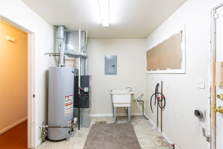 Real Estate Photography - 15319 Winchester, Harvey, IL, 60426 - Laundry Room