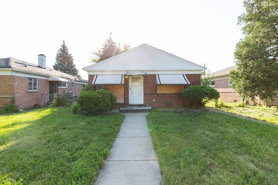 Real Estate Photography - 15319 Winchester, Harvey, IL, 60426 - Front View